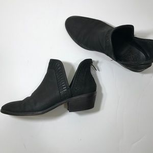 Vince Camuto Black Persiella Booties Size 8